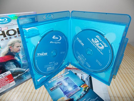 http://hometheater.persiangig.com/DVD%20%D9%88%20Blu-Ray/Thor%202%20Inside.JPG